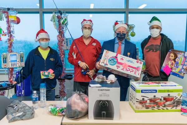Failure team wraps gifts